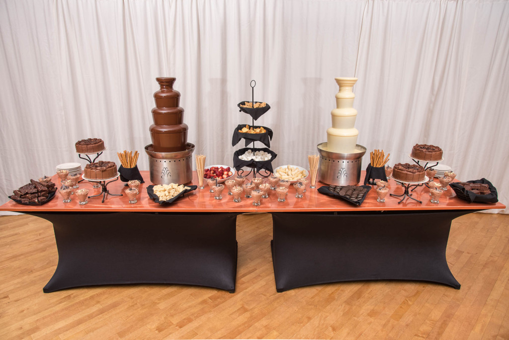 Dessert choices at the Versailles Ballroom in Toms River NJ for Mitzvahs, Weddings, and Events 1