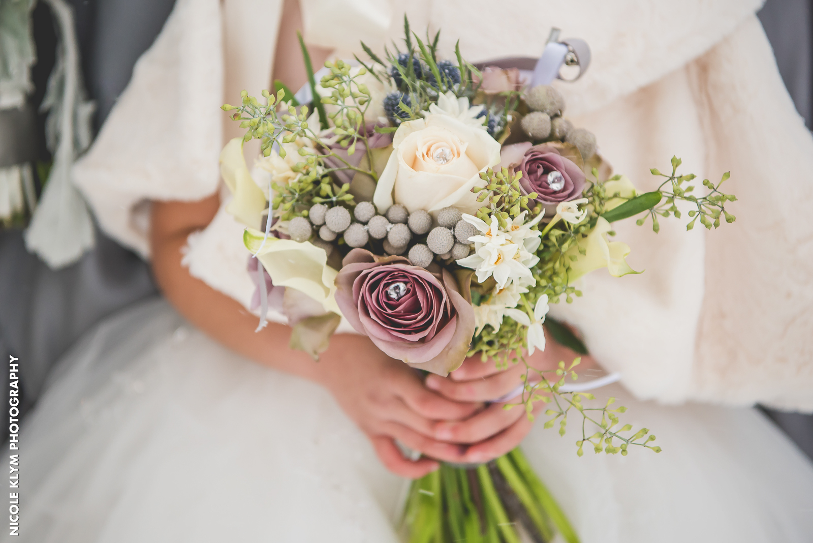 Best Flowers for a Winter Wedding Bouquet | Versailles Ballroom ...